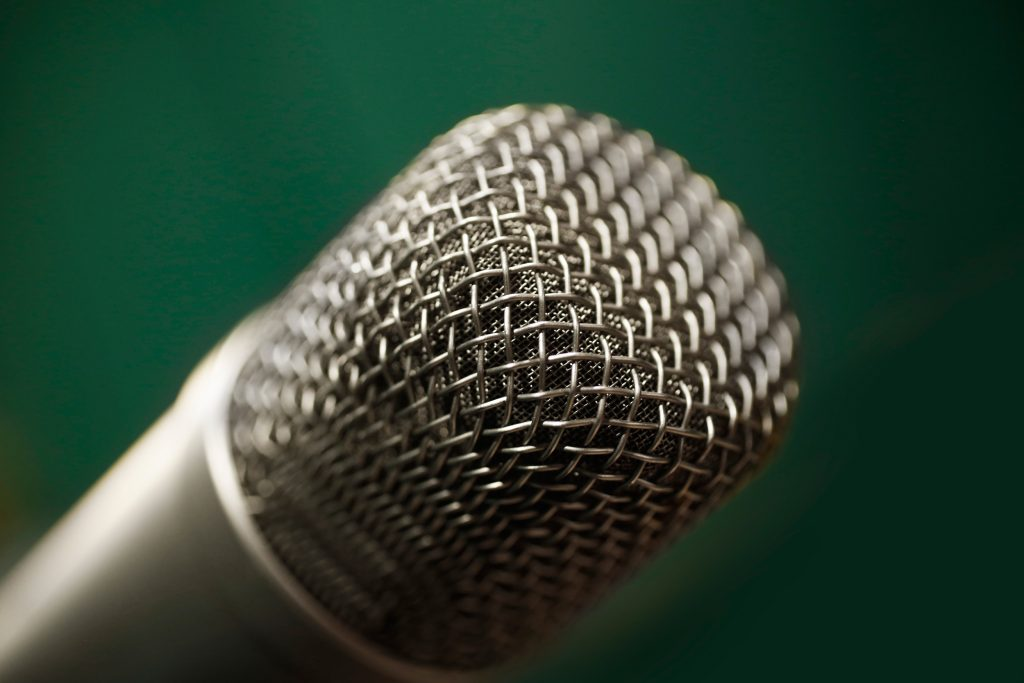 microphone voiceover recording