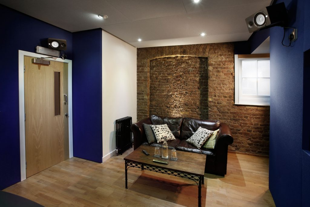 voiceover agency studio london